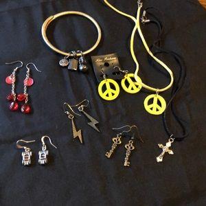 Jewelry - Lot of jewelry